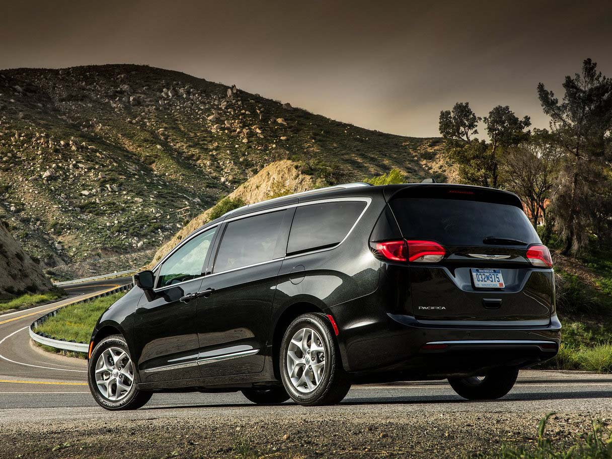 Chrysler Pacifica Lease >> 2019 Chrysler PACIFICA Minivan Lease Offers - Car Lease CLO