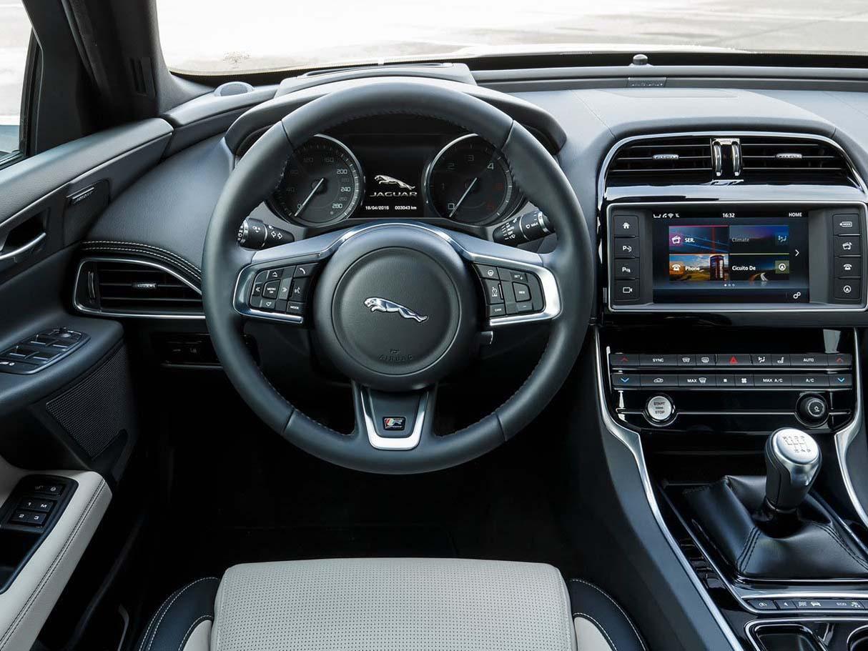 2018 Jaguar XE Sedan Full